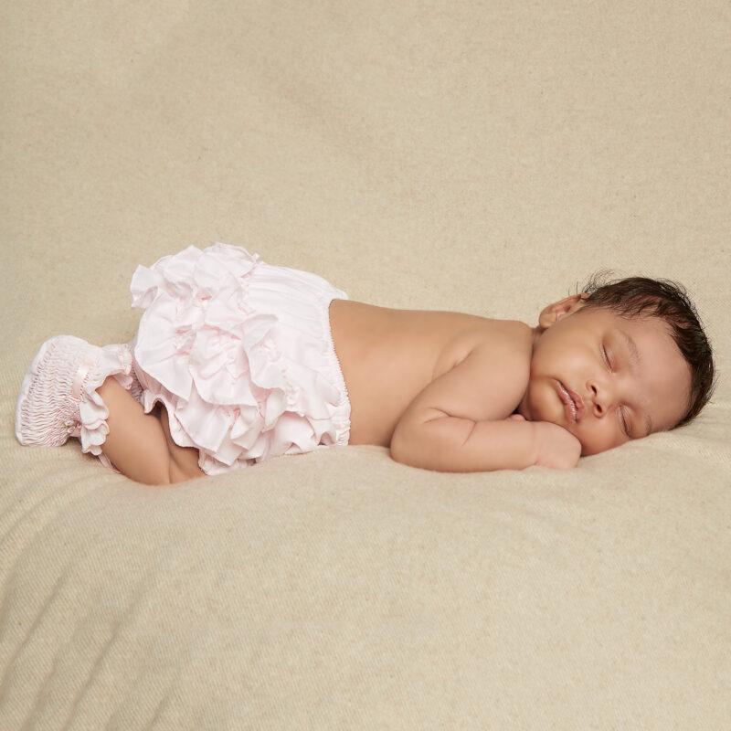 sarah-louise-baby-girls-pink-ruffle-knickers-29088-1e0577350e918089e0bdc2f94ef6216b5e5e12f0