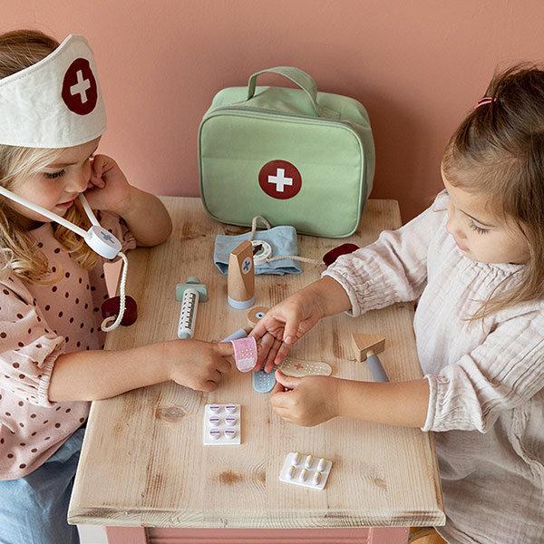 little-dutch-doctors-bag-playset-15-pcs-little-dut
