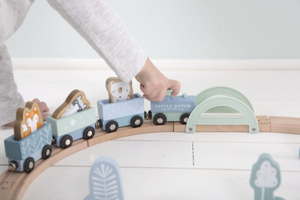 4423 – wooden train track – blue 2