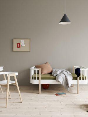 oliver furniture_041401_Junior_bed