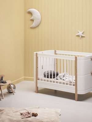 oliver furniture_041425_wood_mini_basic_cor_bed_