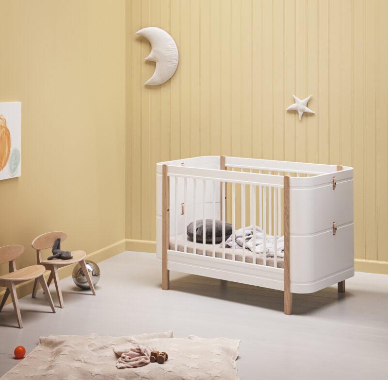 oliver furniture_041425_wood_mini_basic_cor_bed_