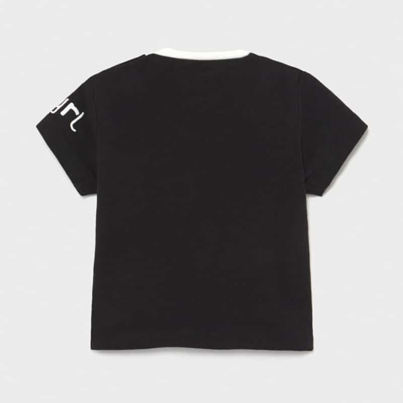 Short sleeved t-shirt with appliqué